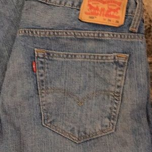 Levi's Jeans - 🔴🔴🔴NEVER WORN🔴🔴🔴